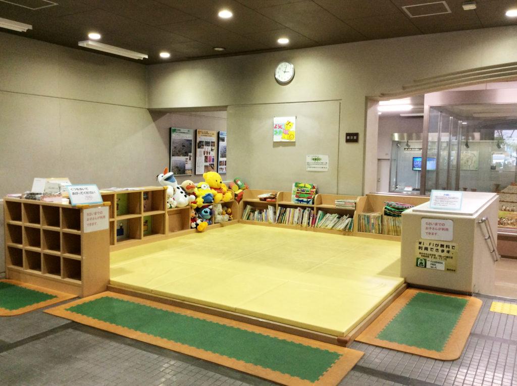 藤井寺市立図書館1